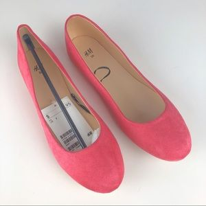 NWT H&M Coral Suede Flats - Size 7